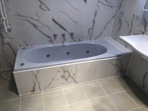 Flat and step-less bathroom accessible wheelchair