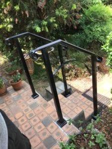 outdoor grabrail