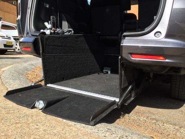 Automatic, No Ramp! Honda Odyssey internal hoist Unique design level access