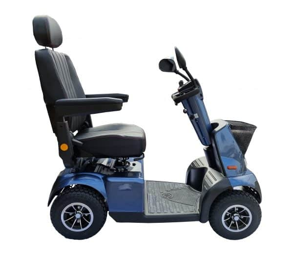 Heavy duty mobility scooter suitable for shopping and uneven surfaces