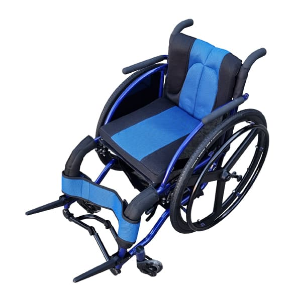 Lightweight pushchair with extra storage and anti tipping wheels